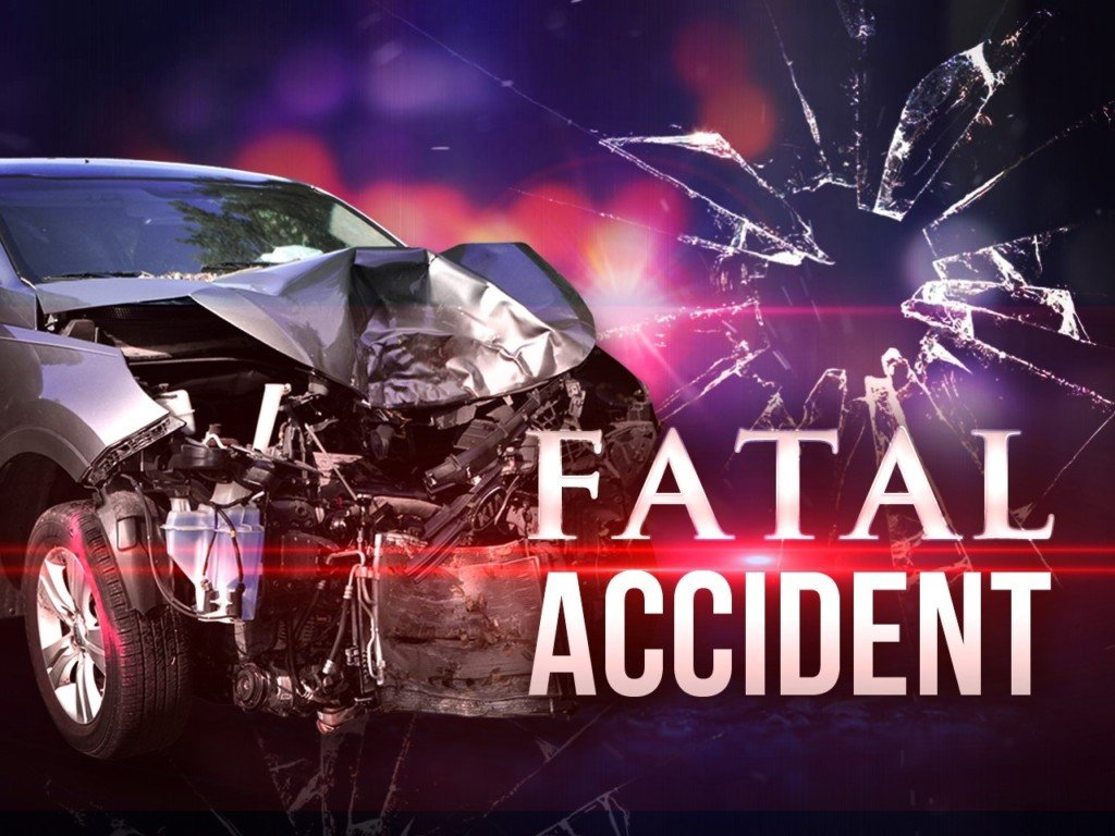 One man dead in rollover accident on I-82 in Kennewick