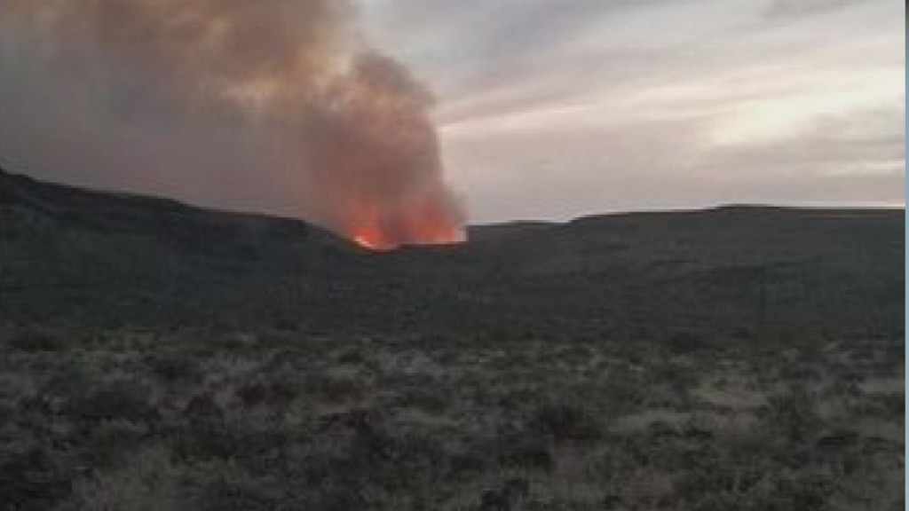 Fire officials lift evacuation orders for Milepost 22 fire near Vantage