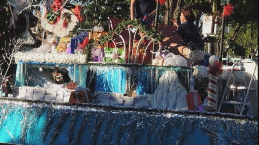 City of Kennewick now accepting applications for holiday parade floats