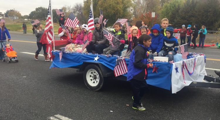 Veterans Day Parade draws thousands of supporters to West Richland