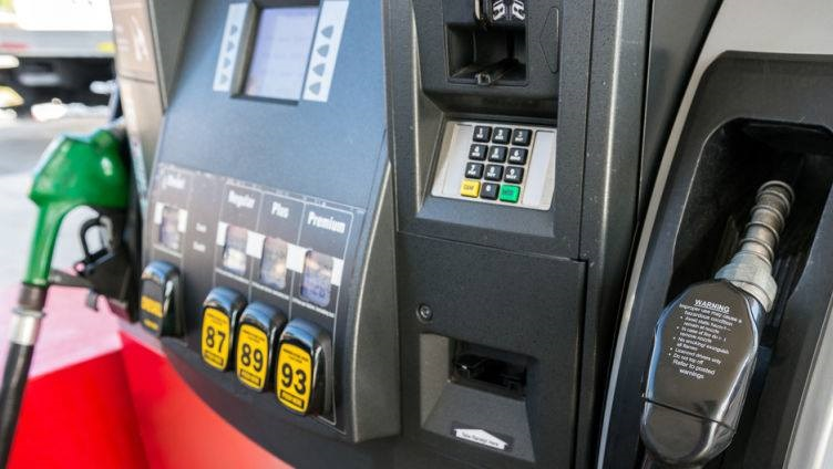 Oregon gas stations offer self-service