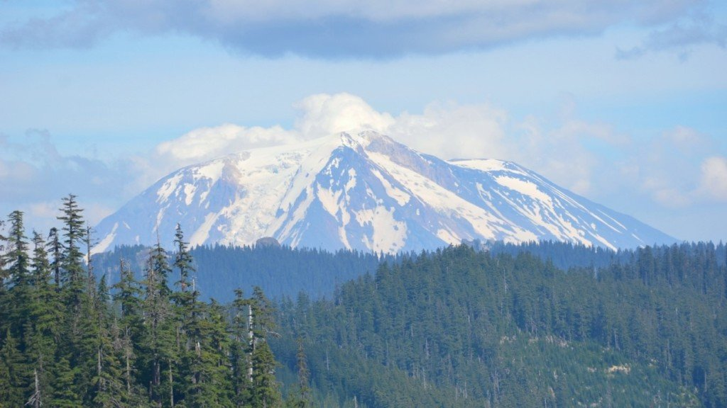 Conservation group sues over Mount St. Helens drilling