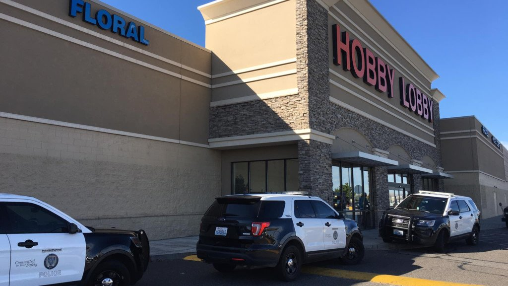 KPD: Alleged shoplifter arrested after trying to hide from officers inside Hobby Lobby