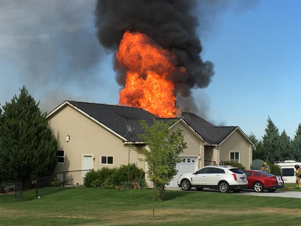 Crews respond to house fire in Richland