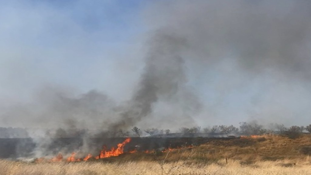Ice Harbor Dam Fire roughly 5% contained, more than 100 acres burned