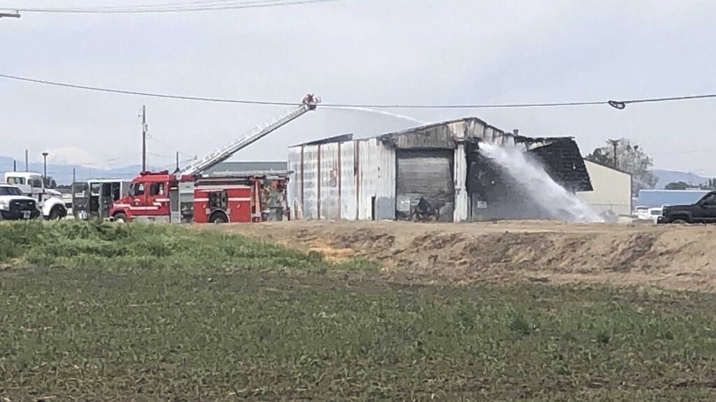 Firefighters investigate suspicious warehouse fire in Toppenish