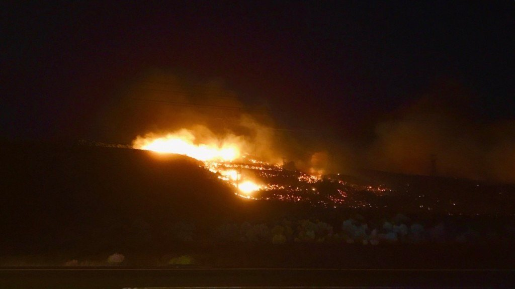 EVACUATION: Fire burning hundreds of acres, moving east from Beverly in Grant Co.
