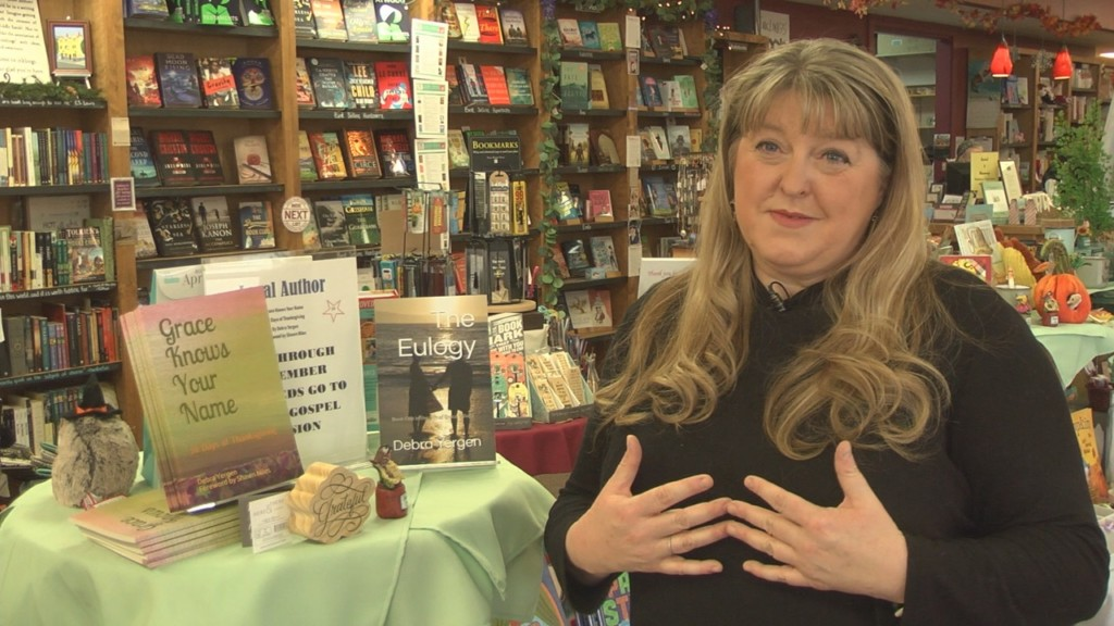Yakima author partners with bookstore to provide Thanksgiving meals for the homeless