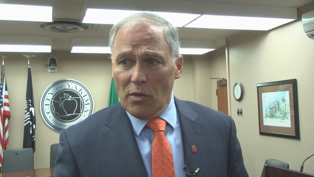 Inslee visits Yakima to discuss gun violence issue
