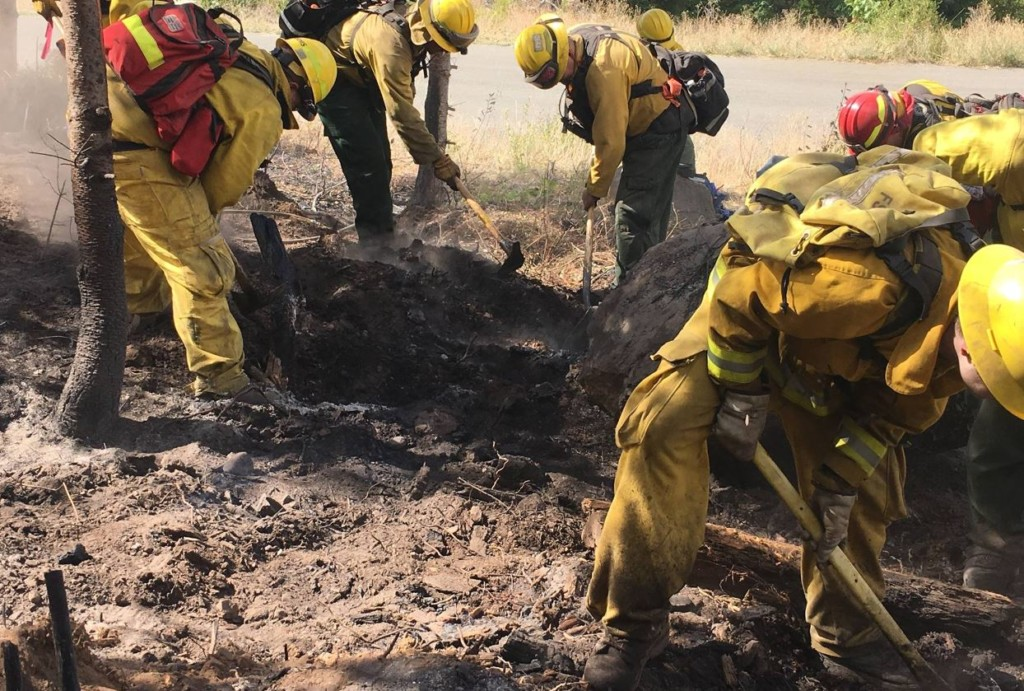 Crews keep Jolly Mountain Fire at bay; 25 percent contained