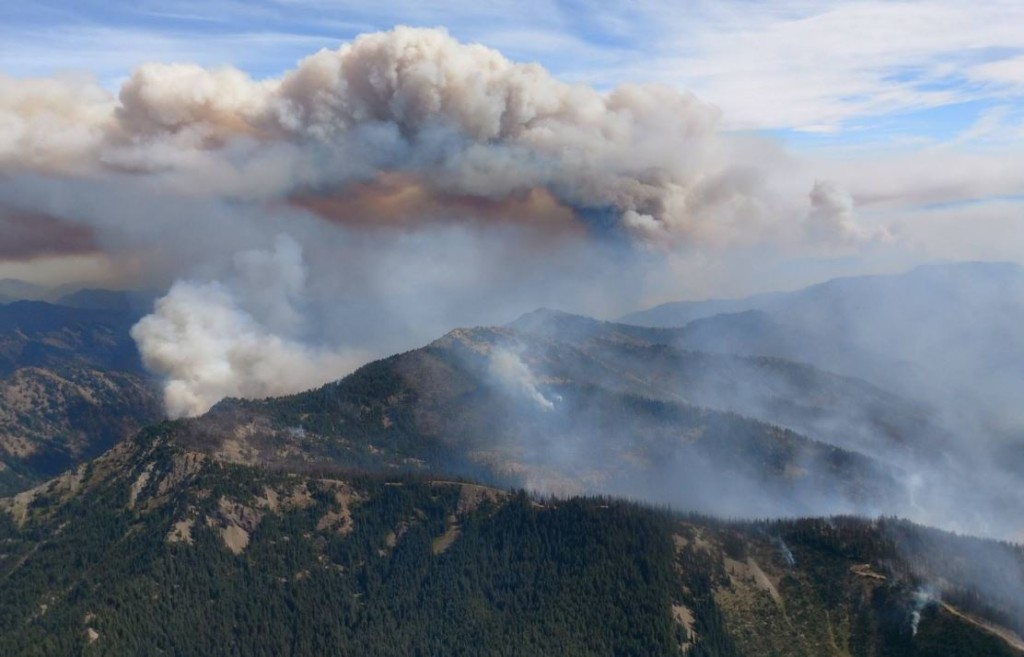 Jolly Mountain Fire grows 4,000 acres in a day near Cle Elum