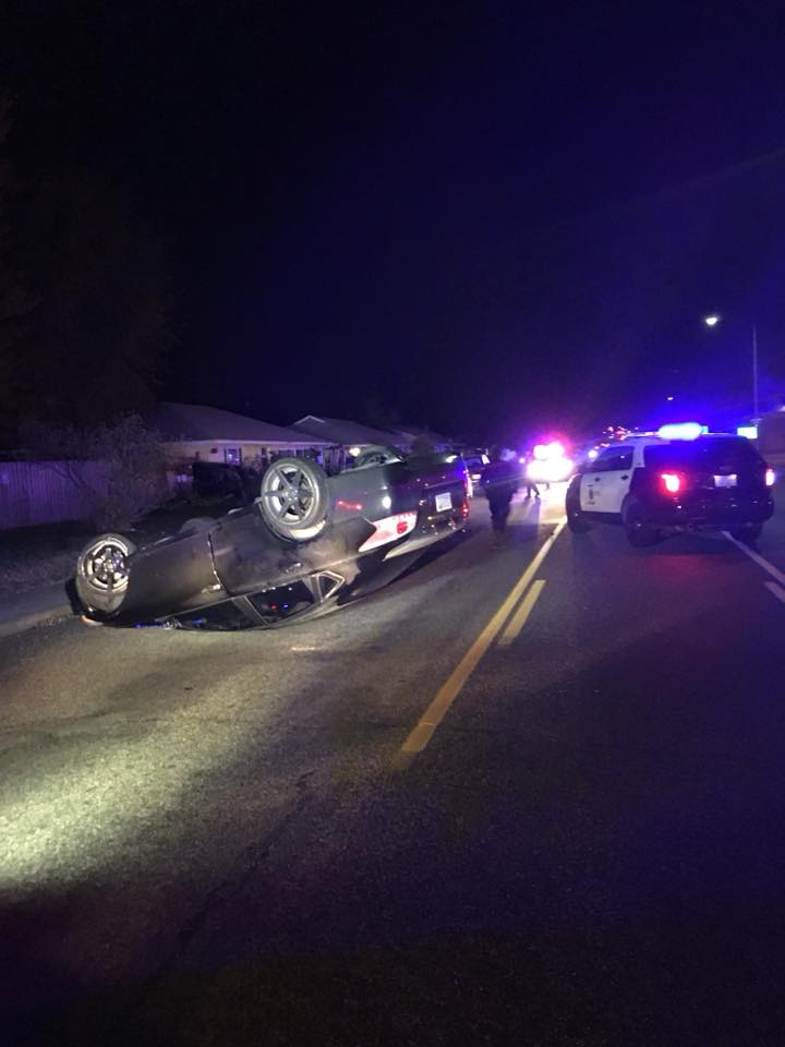 Kennewick Police respond to rollover accident, no injuries