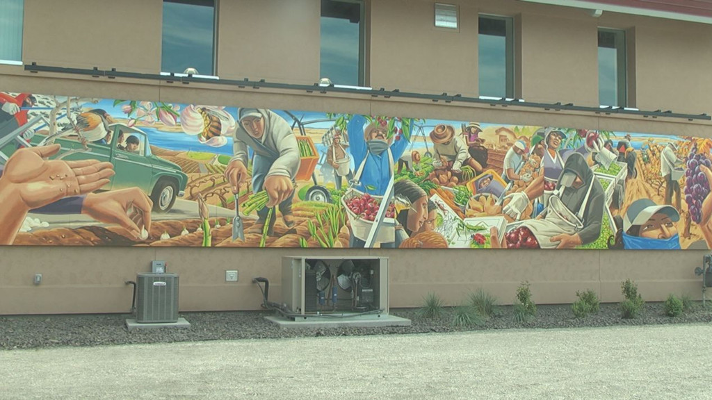 Latino Heritage mural goes up in Kennewick