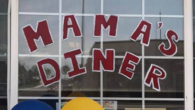 Benton City diner invites community to enjoy free dinner on Thanksgiving