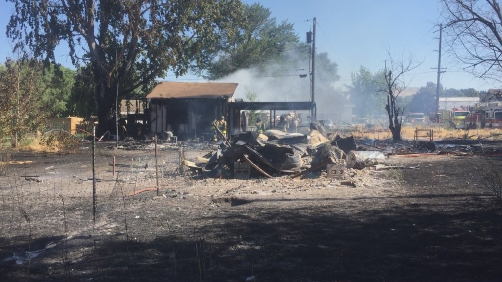 Mobile home fire displaces mother and daughter