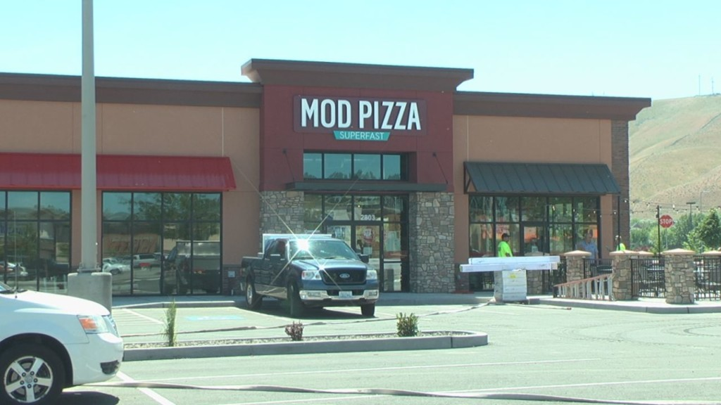 Richland MOD Pizza donates earnings to local nonprofit