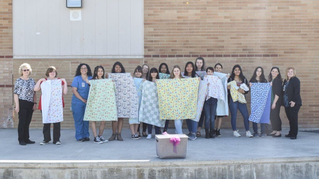 Moses Lake students make blankets for new moms, babies