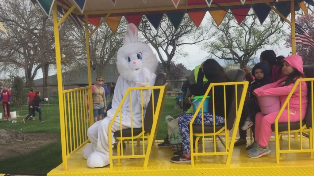 Mr. Bunny hosts sping egg hunt