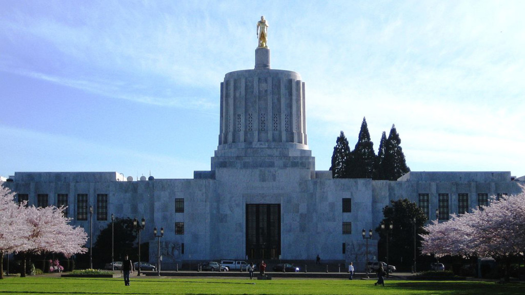 Oregon lawmakers race against clock to pass over 100 bills