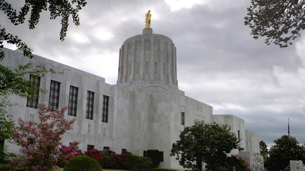 Oregon measure to allow undocumented immigrants to get licenses