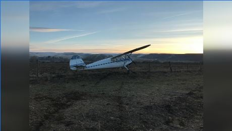 Pilot makes emergency landing in Selah, walks away with no injuries