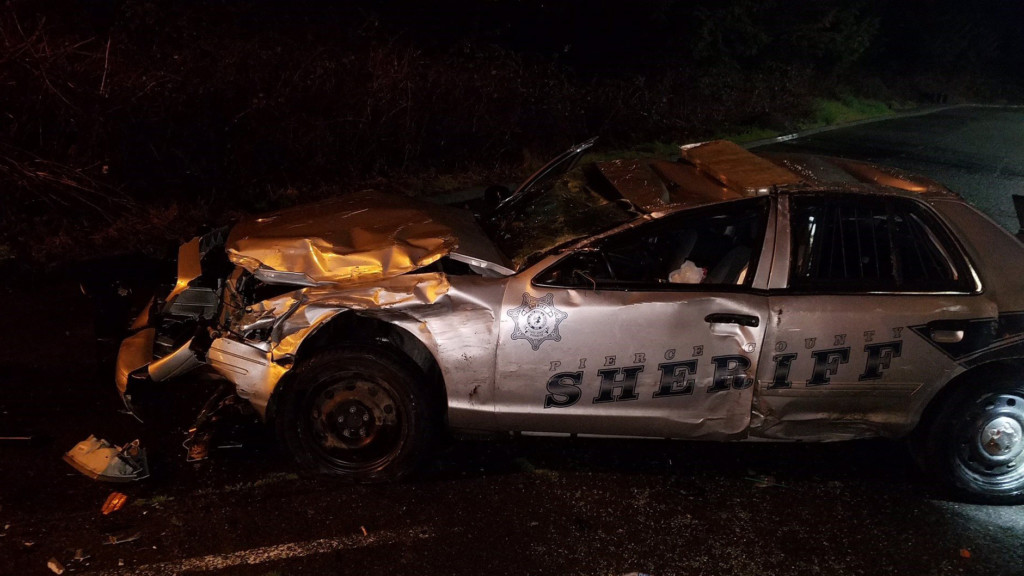 Suspected drunken driver injures deputy while leaving bar, sheriff's department says