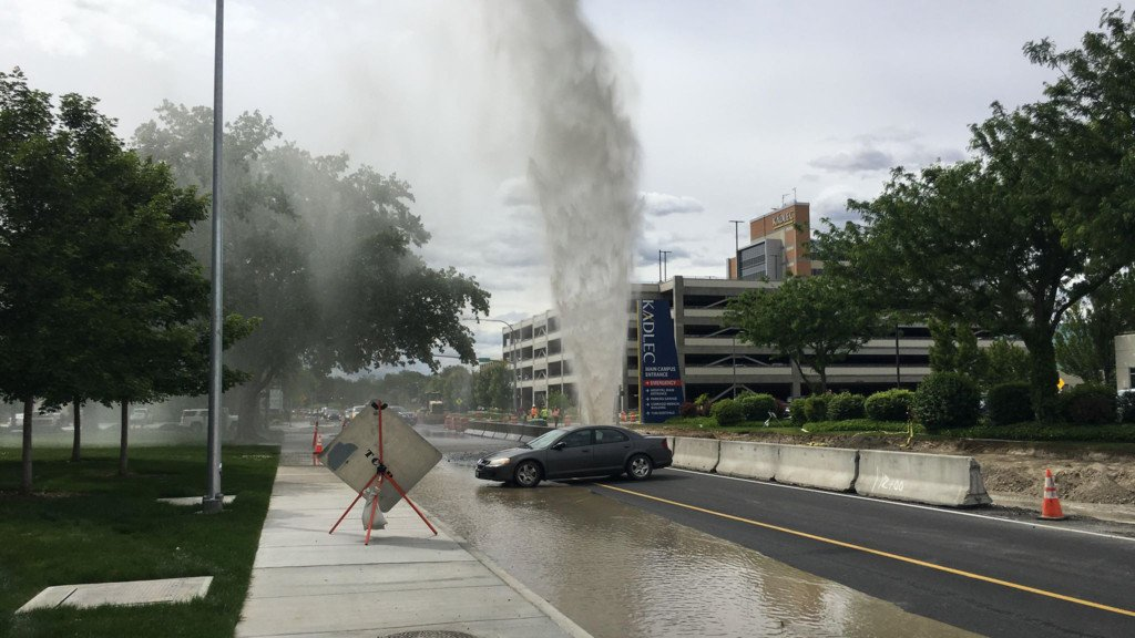 Burst pipe sends water gushing in the air near Kadlec in Richland