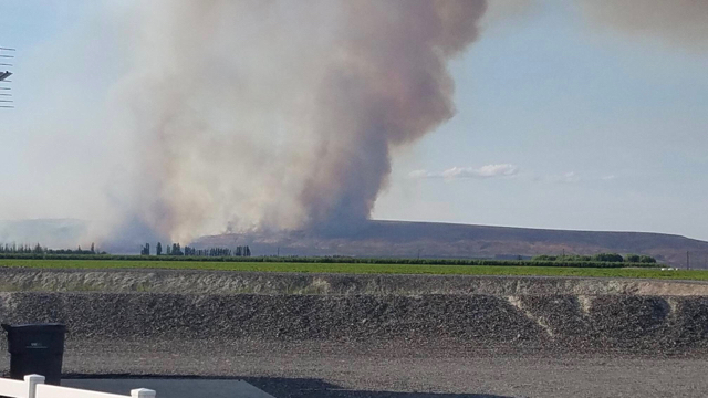 Level 2 evacuation ordered for homes east of Mattawa due to Powerline Fire