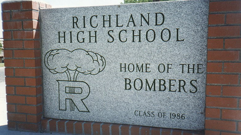 Richland High student dies by suicide
