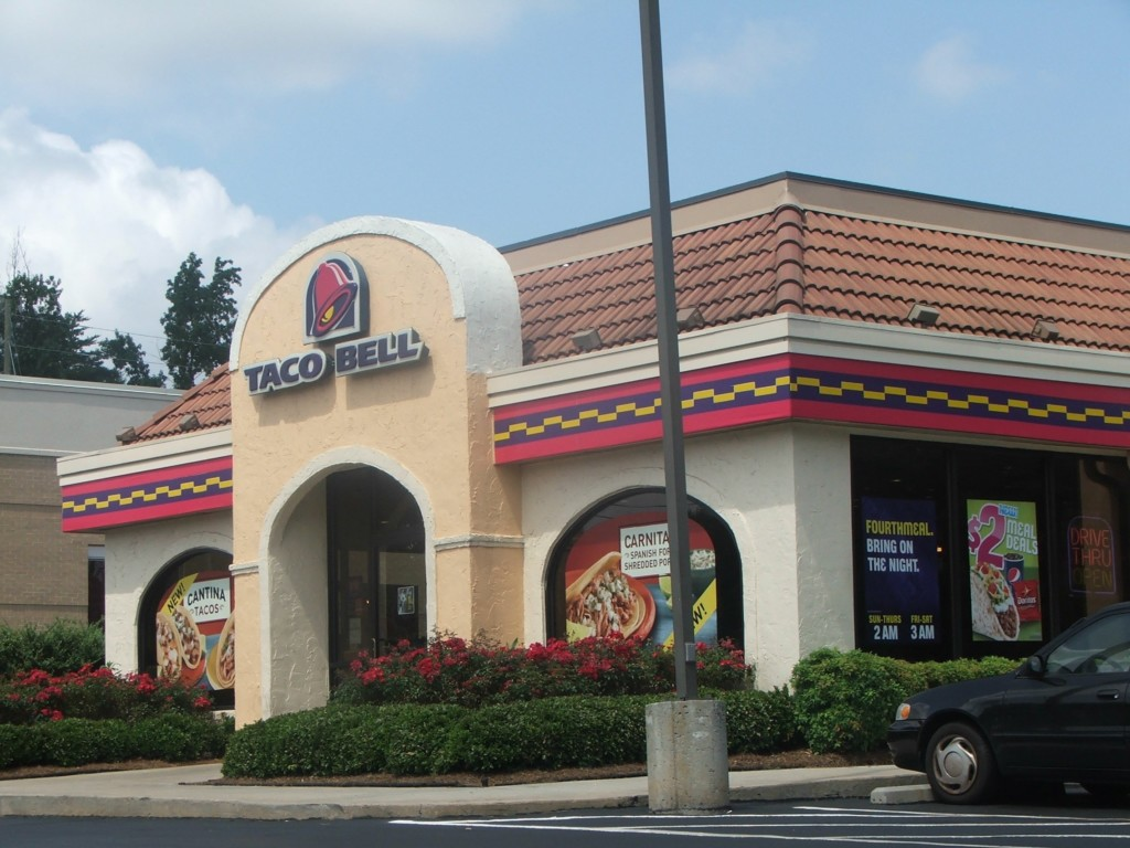 Taco Bell fires employee who refused to serve police
