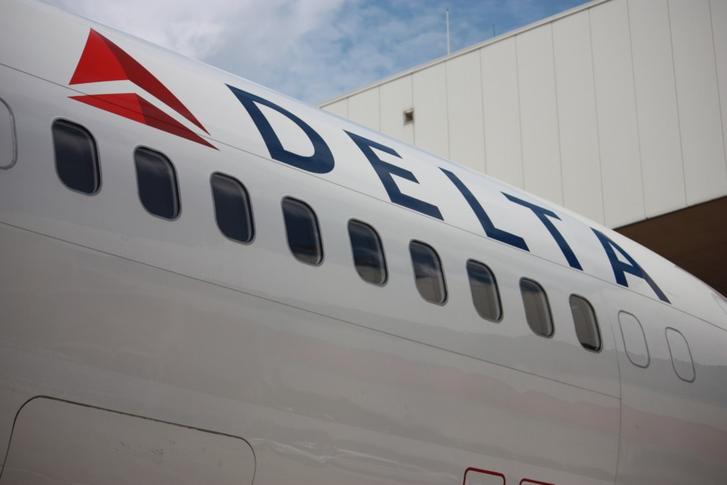 Delta says flights resuming but massive cancellations still expected