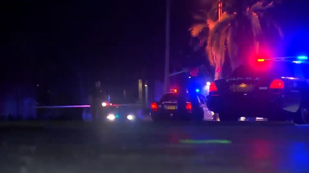 Fort Myers shooting: 2 dead outside teen party at club
