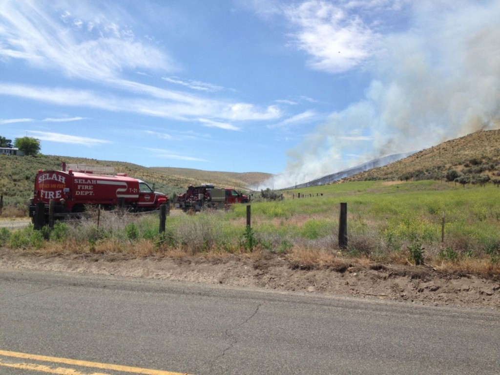 Brush fire on hillside in Yakima County