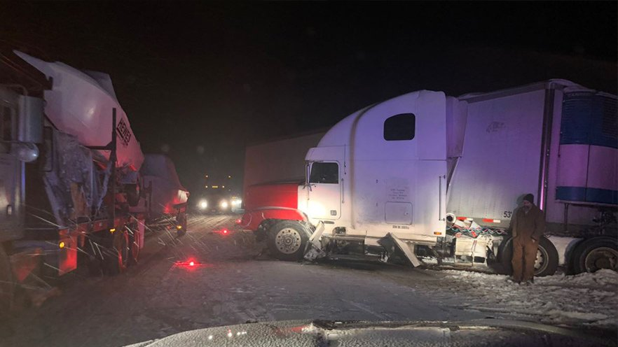 Semi drove wrong way for three miles on Highway 395, causing five-vehicle pileup