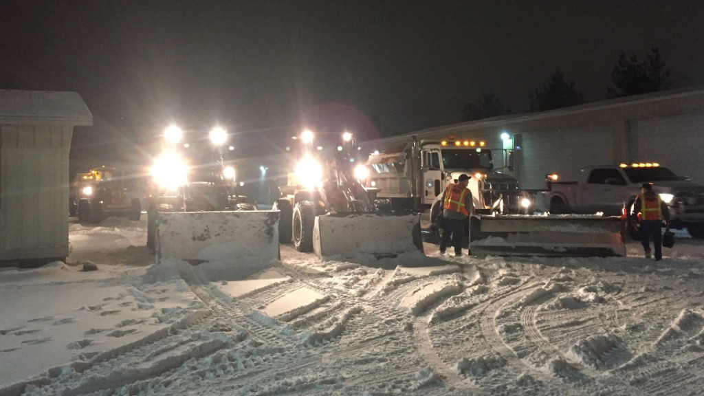 Pasco street crews working 12-hour shifts to keep roads safe and clear