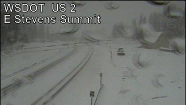 Traction tires advised on Stevens Pass because of snowy conditions