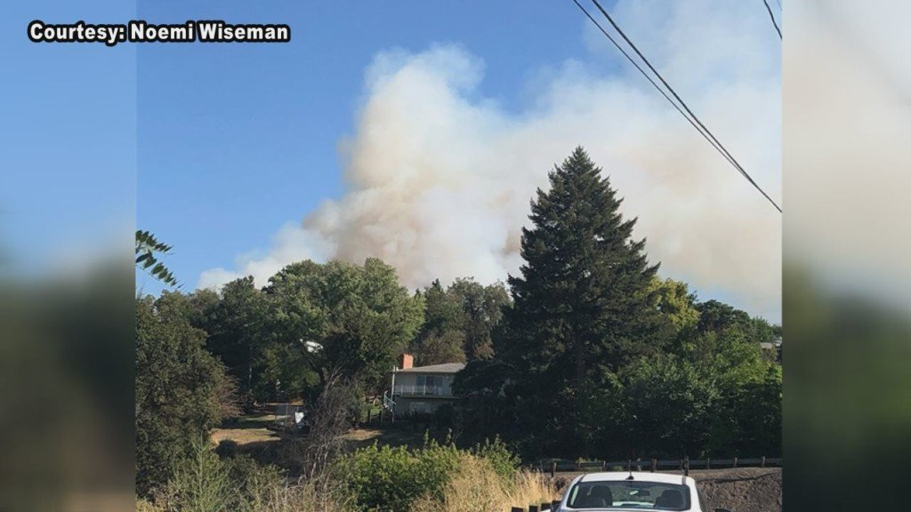 Firefighters battle blaze in Pendleton