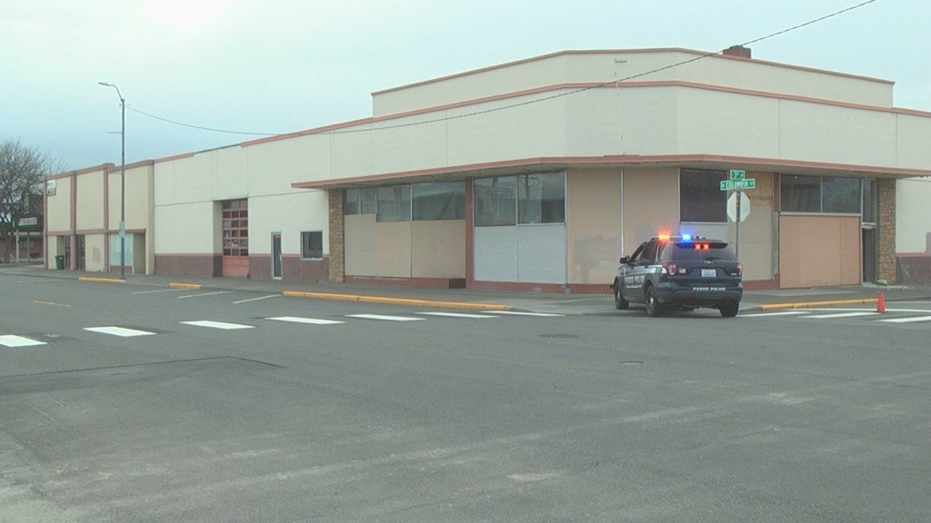 SWAT team called to building in Pasco