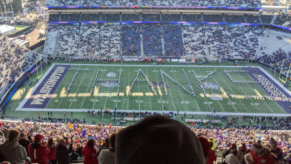 UW marching band thanks WSU for what they did after 2018 bus crash