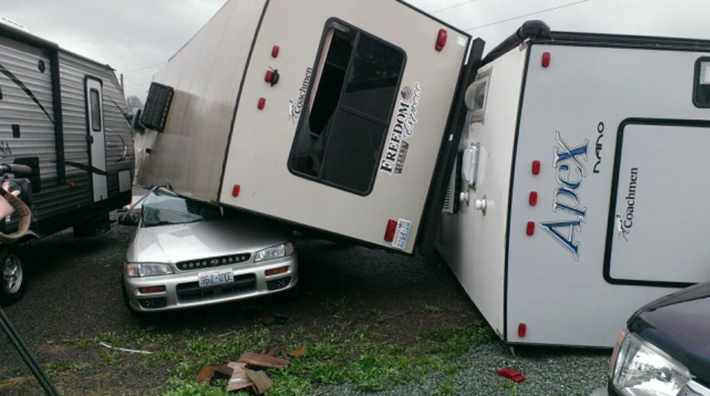 Tornado causes some damage north of Seattle
