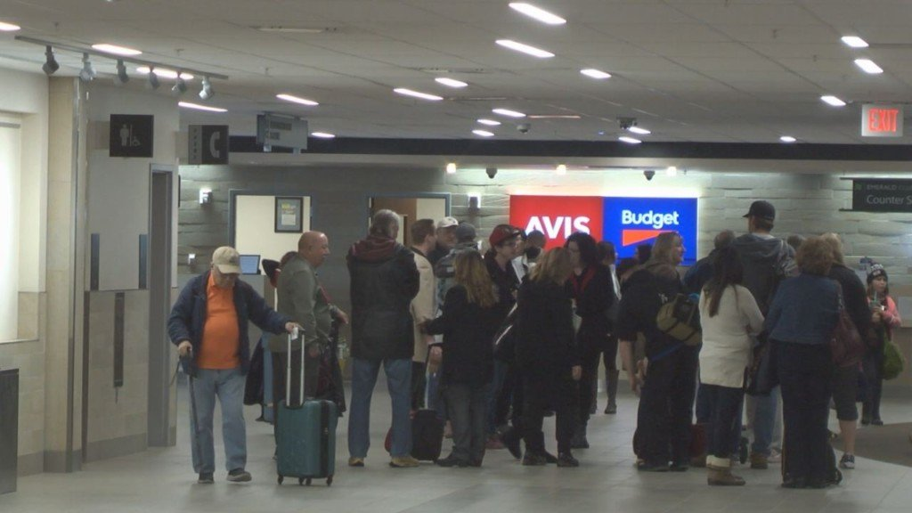 Airport officials offer tips to skip long holiday travel wait times