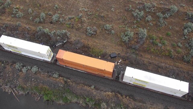 Man hit by train while sleeping in truck near McNary Dam