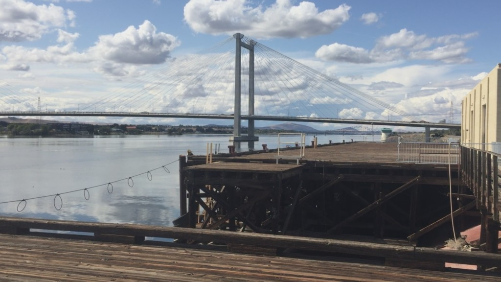 Port of Pasco deciding what to do with old wharf by Cable Bridge
