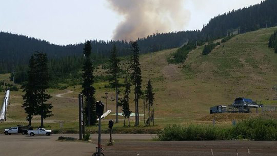 Wildfire prompts evacuation alert for White Pass Ski Area