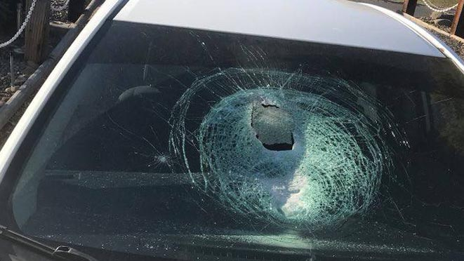 3 say rocks were thrown at windshields while driving near Selah