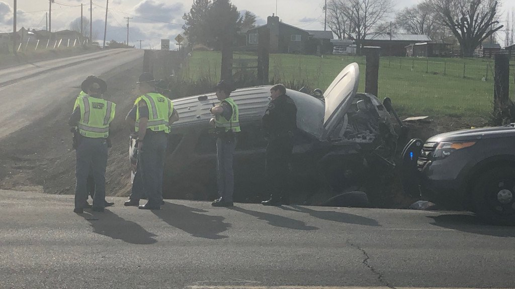 WSP: Woman didn't pull over for trooper, causing crash near Selah