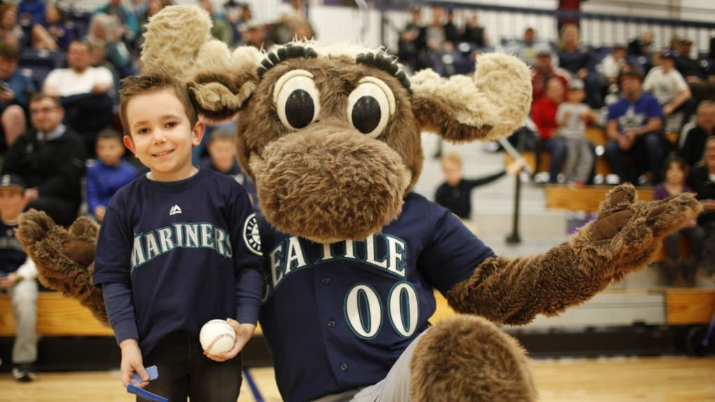 Mariners Care Community Tour