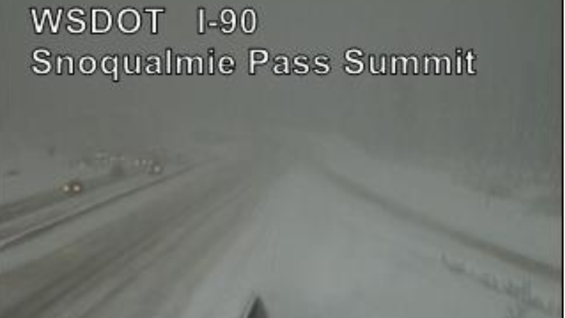 Snow at Snoqualmie Pass