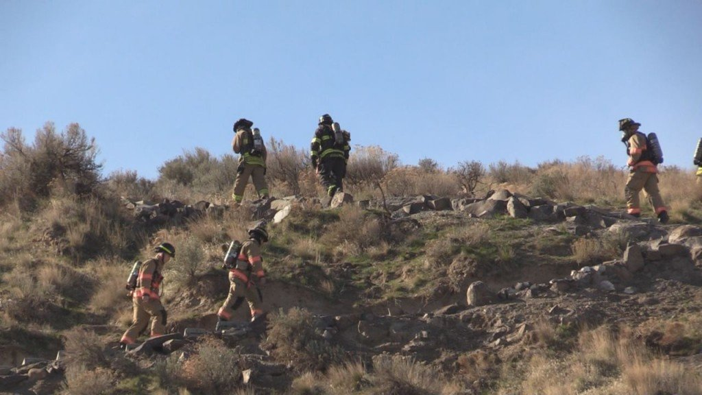 Firefighters climb Badger Mountain