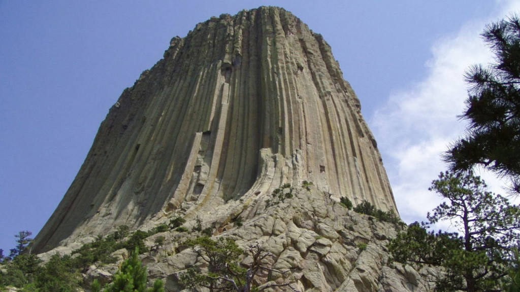 UFO enthusiasts flocking to Devils Tower
